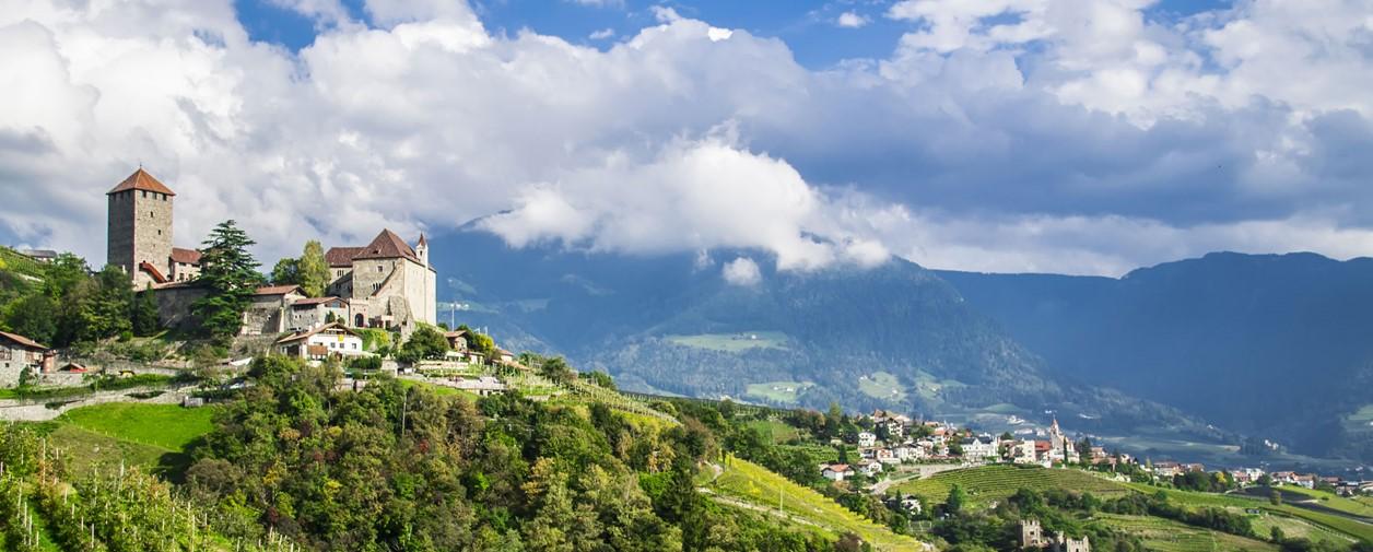 Hotels In Dorf Tirol Www Suedtirol Com