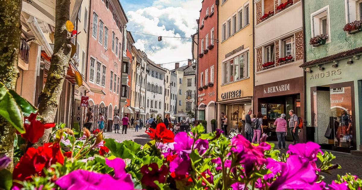 Brunico in Val Pusteria - Vacanze nel vivace centro dell ...